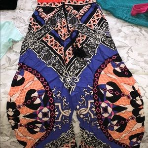 Forever 21 funky pattern pants size XS